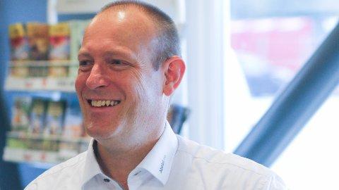 Tor Alvern har jobbet med salg fra han var en neve stor. Nå er han daglig leder og altmuligmann i familiebedriften Abobil.