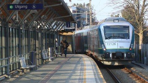 Lørdag kveld begynner togene å rulle på Jærbanen igjen.