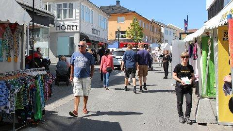 Storgata på Bryne har fleire gonger vore mellombels gågate, som her under Jærdagen 2016. I framtida skal gata bli permanent bilfri.