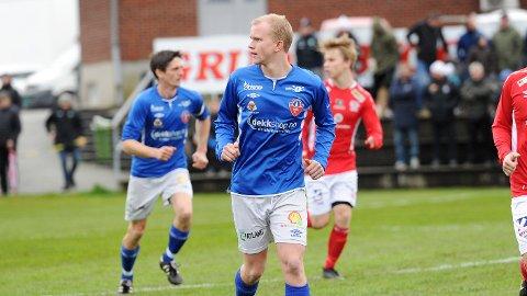 Georg Strømstad og Magne Stokka (i bakgrunnen) scoret to mål hver for Voll mot Tasta.