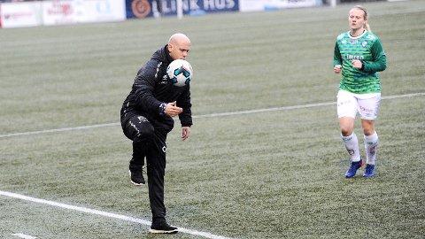 Trener Olli Harder og midtstopper Susanne Vistnes starter sesongen med