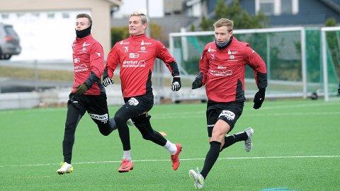 Adrian Berntsen (f.v.), Einar T. Lye og Bjarne Langeland er i startoppstillingen til Bryne mot Vard Haugesund.
