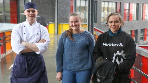 Kamil Radlak (t.v), Amalie Stokkeland og Kirsten Vigre har gjort smarte yrkesval. Snart ventar læretida.