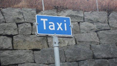 En kvinne ble voldtatt da hun skulle hente penger for å betale for taxituren i 2015.