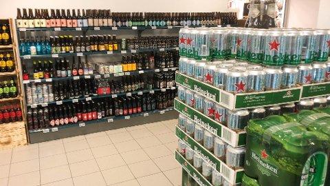 Coop Mega Klepp har løyve til å selja øl frå butikken, men Klepp-rådmannen seier nei til at dei skal få ta med øl når dei kjører varer ut til kundar.