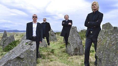 Fra venstre: Torstein Kyllevik, Steinar Oldereide, Jarle Valle og Øyvind Dørum utgjør Det Pene Bæn. Onsdag står de på scenen i Helgåleiren, og skal fremføre rockelåter på Stavanger-dialekt.