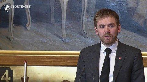 Da Tom Kalsås møtte opp som vara på Stortinget, nøyde han seg ikke med bare å ta plass i salen.