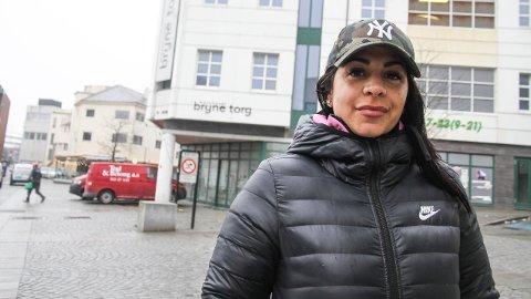 Sandra Dontella fra Bryne, synes det nye senternavnet høres merkelig ut, og mener «kinoen på Bryne» er et bedre alternativ.