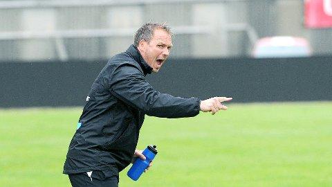 Ole Hjelmhaug tar spillerne med til Jessheim onsdag. En eventuell kvartfinale spilles i slutten av september.