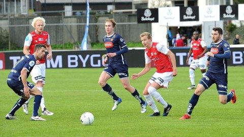 Erik Rosland (f.v.), Bjarne Langeland og Paul Addo slo ut Viking i andre runde.