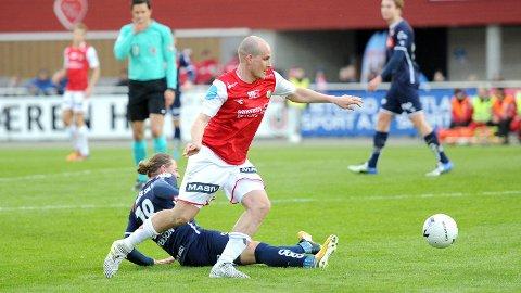 Mads Bøgild og lagkameratene spiller mot Sandnes Ulf i tredje runde i kveld. Bildet er fra cuptriumfen mot Viking for en uke siden.