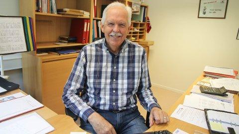 Reidar Harberg (68) har jobbet på Bore skule i 45 år, nå takker han for seg.