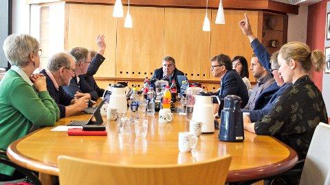 Berre Bjarne Undheim (Sp) og Petter L. Stabel (Frp) sa nei då formannskapet i Time gjekk til røysting om å gå vidare med bompakken eller ikkje.