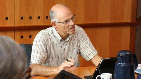 Kommunalsjef Trond Roy Pedersen i Klepp kommune har i årevis snakka om at språkdelinga gjev ekstrakostnader for Klepp. No får han kraftig støtte i ein fersk rapport.