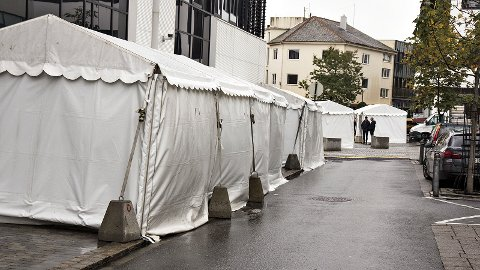 Potetfestivalen har sørget for å sikre teltene sine med ekstra vektlodd før stormen slår inn for fullt.