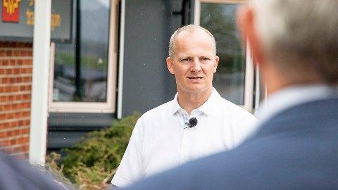 Forrige fredag kom Ketil Solvik-Olsen til vegtrafikkstasjonen på Slettebø for å annonsere trasévalg for ny E39.