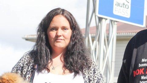 OPPFORDRING: Inger Lise Bjerk oppfordrar alle som engasjerer seg i bomsaka til å halda debatten sakleg.