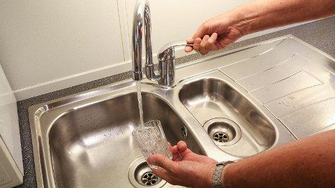 - IKKJE SLØS: IVAR oppfordrar innbyggjarane til å generelt ikkje sløsa med vatnet.