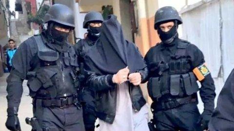 Det marokkanske statspolitiet, BCIJ, publiserte tysdag dette bildet som viser den første mannen som blei arrestert etter drapet på dei to turistane frå Noreg og Danmark.
