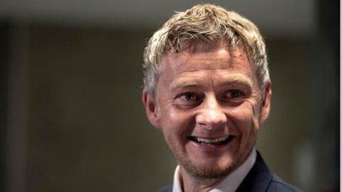 Ole Gunnar Solskjær kan glise etter å ha blitt ansatt som ny trener i Manchester United.