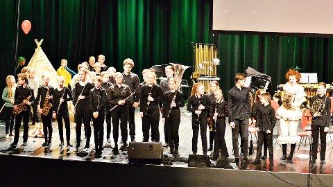Tu skulekorps leverte eit skremmande godt sceneshow. Det resulterte i førsteplass i Stavanger.