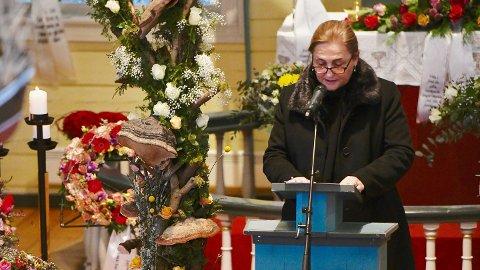 Marokkos ambassadør i Norge, Lamia Radi, representerte sitt lands myndigheter i bisettelsen.