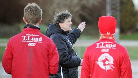 Trener Jan Halvor Halvorsen skal lede laget sitt i 11 søndagskamper på Bryne stadion denne sesongen.
