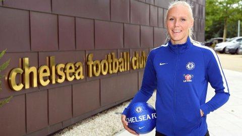 Maria Thorisdottir skrev ny avtale med Chelsea fredag. I dag var hun tilbake på trening etter hjernerystelse og betennelse i foten.