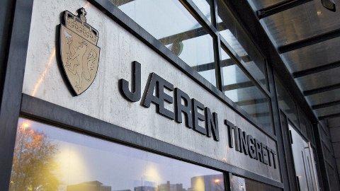 Ein mann i 30-åra frå Jæren må møta i retten etter å ha chatta om seksuelle overgrep mot barn.