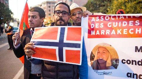 Drapet på Maren Ueland har forferda mange i Marokko. Dette bildet er tatt under ei minnemarkering i Marrakech før jul.
