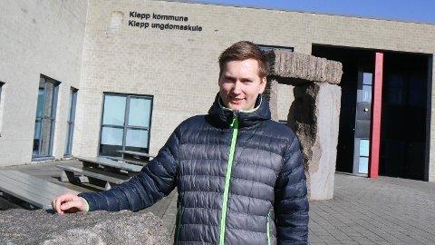 FAST JOBB: Håkon Foseide har vore praksisstudent ved Klepp ungdomsskule. I haust startar han i fast jobb ved skulen.