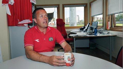 GIR SEG: Mandag ble det kjent at Asle Tjøtta har sagt opp sin stilling som daglig leder i Bryne FK, etter snart fem år i jobben. Bildet er tatt i en annen anledning.