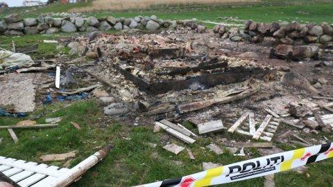 DØMT ETTER HYTTEBRANN: Mannen som har innrømmet å ha tent på hytten som stod på Obrestad fikk 14 dager i fengsel. Han skal ha brukt diesel når han tente på hytten som brant ned til grunnen.