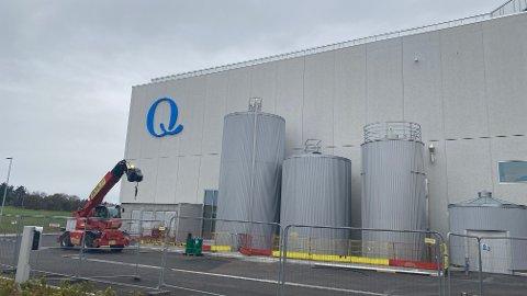 Q-meieriene som holder til på Øksnevad er ikke i full produksjon som planlagt.