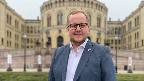 UNDRENDE: Eirik Faret Sakariassen engasjerer seg for mottakssenteret i Hå.