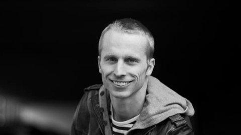 GLAD: - Det er ein draum å bli nominert til Nordisk råds barne- og ungdomslitteraturpris, slår Peter F. Strassegger (36) fast.