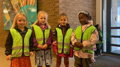 F.v.: Erle, Marikken, Oda og Sumaya gleder seg til å starte på skolen.