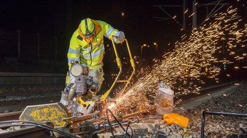 SPORARBEID: Arbeid på togsporene vil påvirke togtilbudet neste uke.