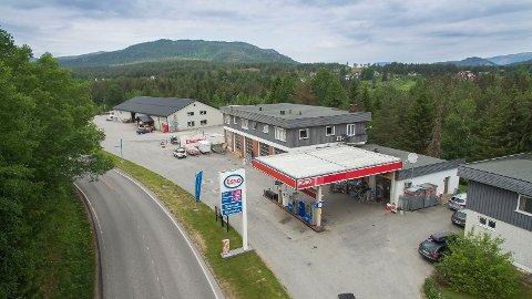 TIL SALGS - IGJEN: Bensinstasjonen i Bostrak er nå på markedet for tredje gang på halvannet år.