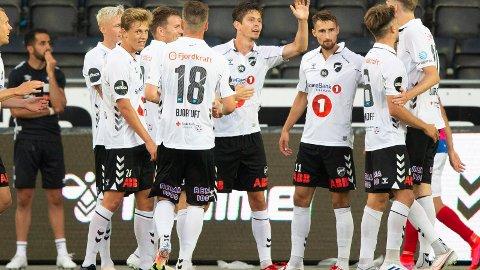 SUPERT INNHOPP: Kragerøguttene Filip Rønningen Jørgensen (nr. 26) var med å snu kampen da Odd vant 4-1 over Vålerenga.