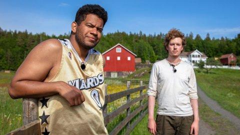 UTE: Markus Bailey måtte se seg slått ut av «Farmen kjendis» etter at han møtte maleren Öde Nerdrum i slegge-konkurranse.  Foto: TV 2