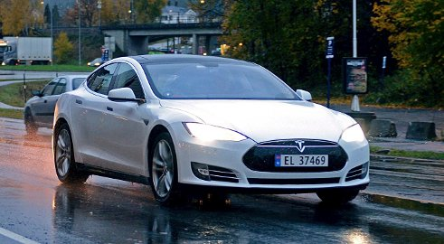 SØKSMÅL: Tesla-eiere går til søksmål på grunn av mangelfull markedsføring.