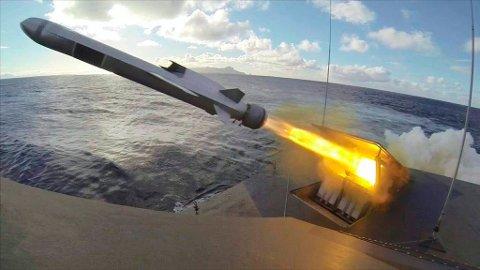 Ifølge Defense News har alle de andre konkurrentene til Kongsberg Gruppen trukket seg fra anbudskonkurransen om NSM-missilet til US Navy. Frist for levering er 23. juni. Her fra en prøveskyting i USA for tre år siden.