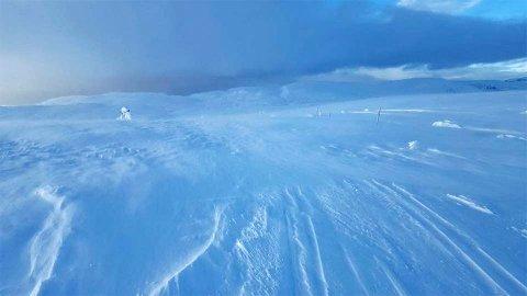 FRISKT: Kulde kombinert med vind stiller krav til bekledning i fjellet. Bildet er fra Flotta på Blefjell med Storeble i bakgrunnen.