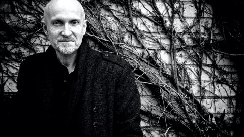TEKSTFORFATTER: Lars Saabye Christensen har skrevet tekstene til låtene på albumet «Et stille sted».