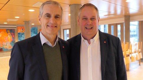 JONAS OG INGAR: Partileder i Arbeiderpartiet, Jonas Gahr Støre besøkte Kongsberg og ordførerkandidat Ingar Storholt.