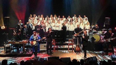 Tidligere i vår var en del av koret sammen med noen sangere fra Celebration med å koret FAB3-gutta på Elvis-gospelkonserten i Musikkteateret.
