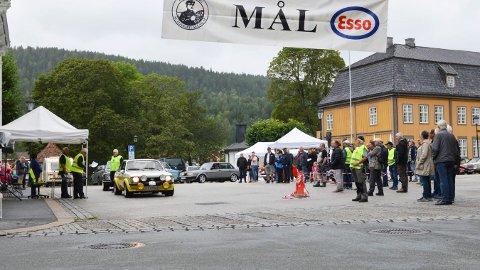 Årets løp: Lørdag var det igjen klart for Kongsbergknekken og 77 veteranbiler stilte.