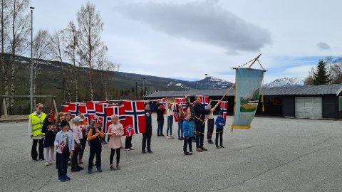 FEIRING AV NASJONALDAGEN: Laagendalsposten ønsker bilder fra feiringen i Kongsberg og Numedal. Bildet er fra Uvdal skole, hvor det var feiring av nasjonaldagen i forkant.