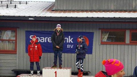 SØLV OG GULL: Marcus Prestegård (t.v.) kapret sølvet, mens Sivert Kristian Rusten kunne klatre helt til topps på seierspallen etter normaldistansen lørdag.
